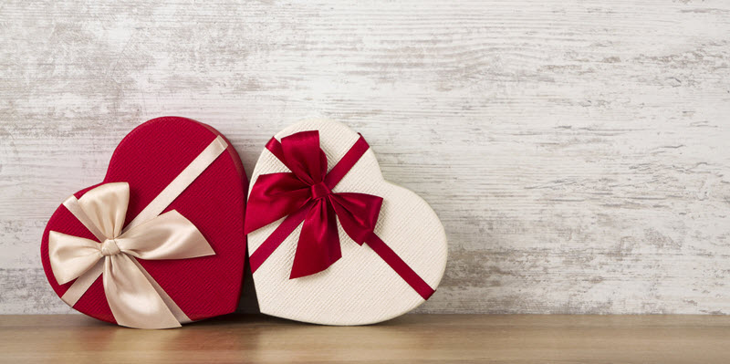 heart-shaped Valentine's day gift boxes